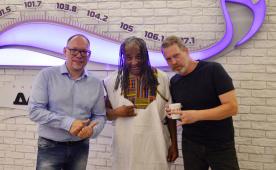 Gregg Kofi Brown (Osibisa) и Алексей Пыстин на радио Jazz Томск